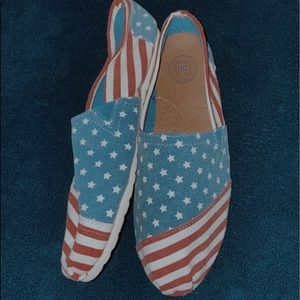SO Shoes - NWOT stars and stripes shoes